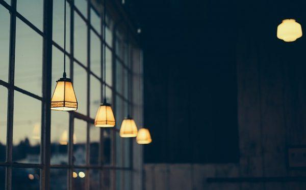 Wat zijn nu eigenlijk de voordelen van slimme lampen in huis?
